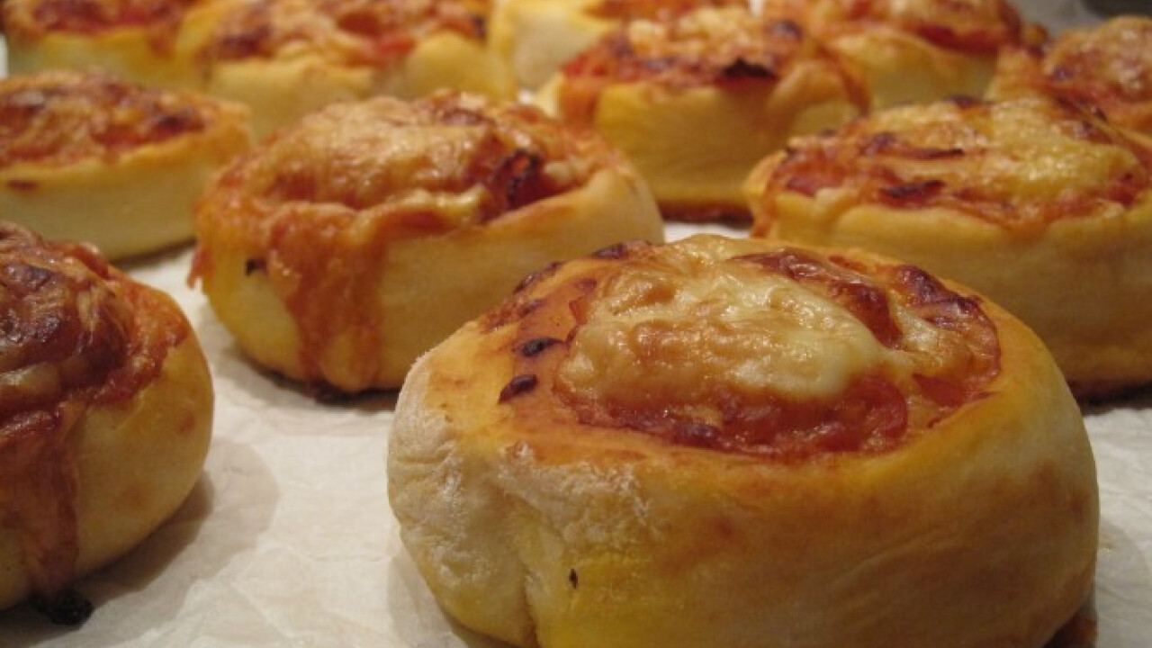 Sonkás baconös pizzás csiga