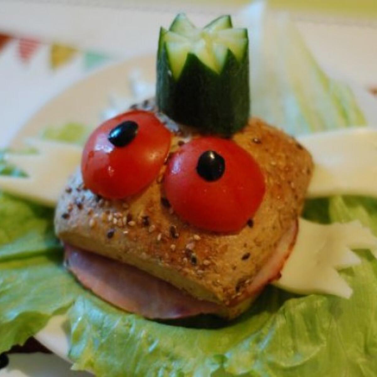 Ezen a képen: Békakirály szendvics