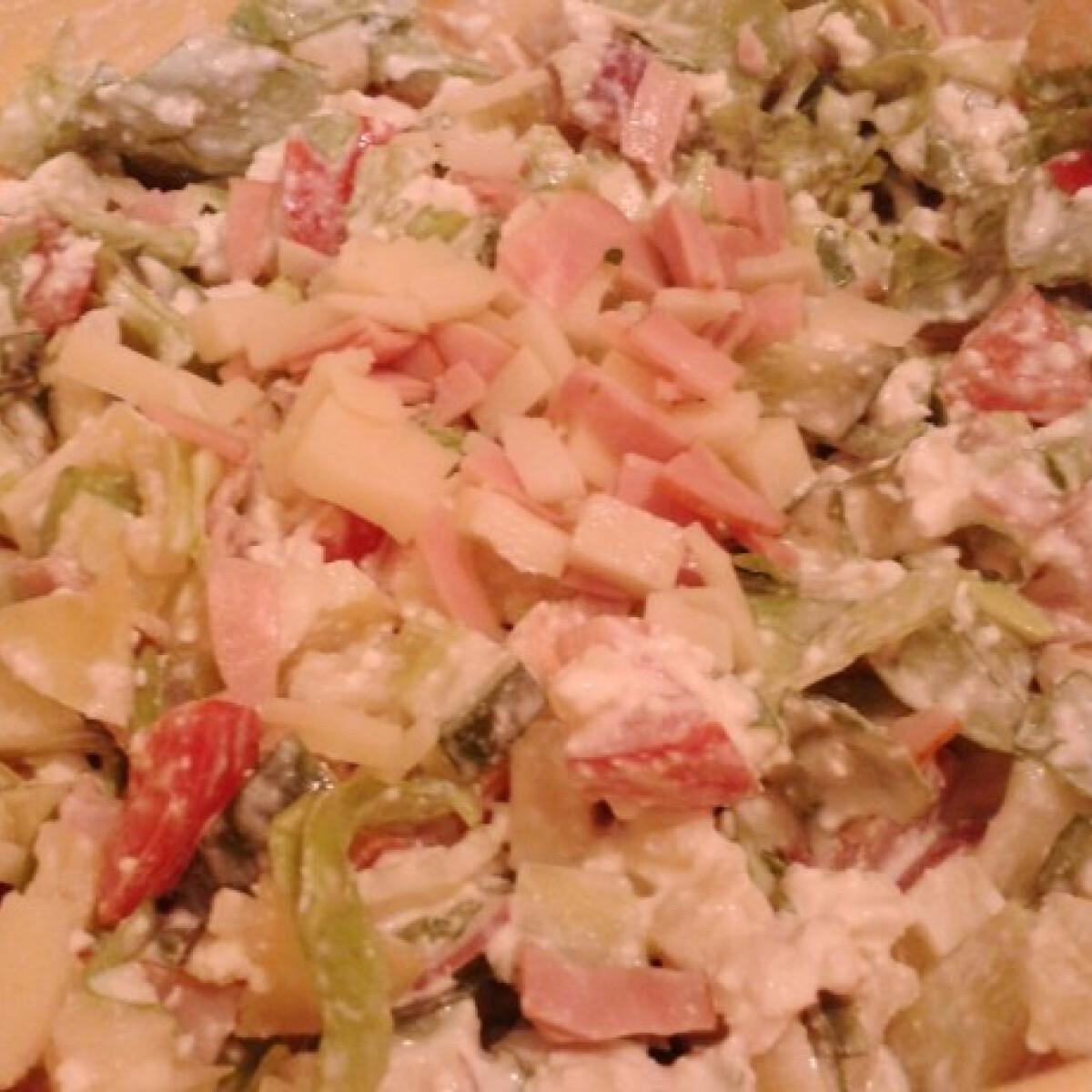 Saláta fehérjedúsan