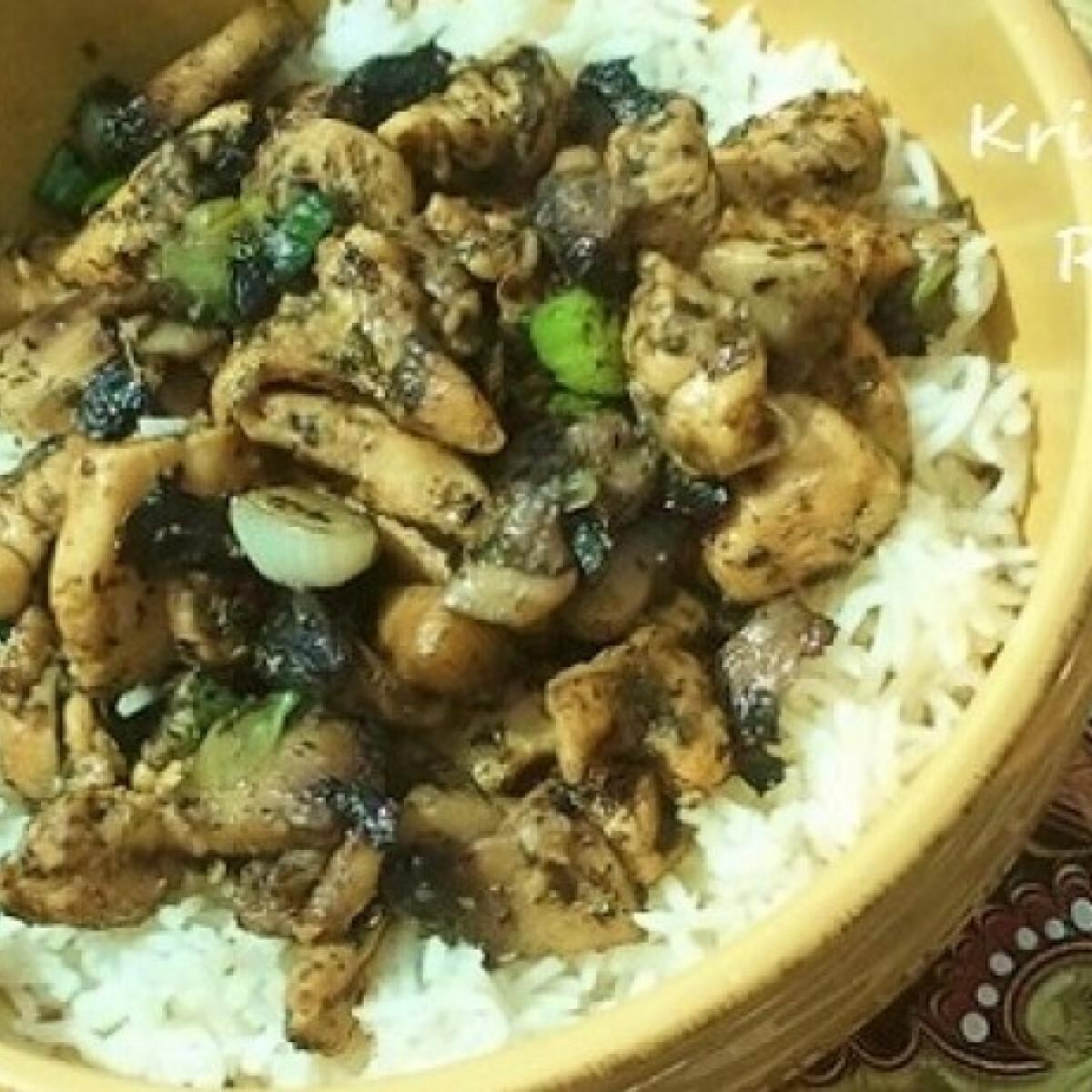 Majorannás csirke rizssel