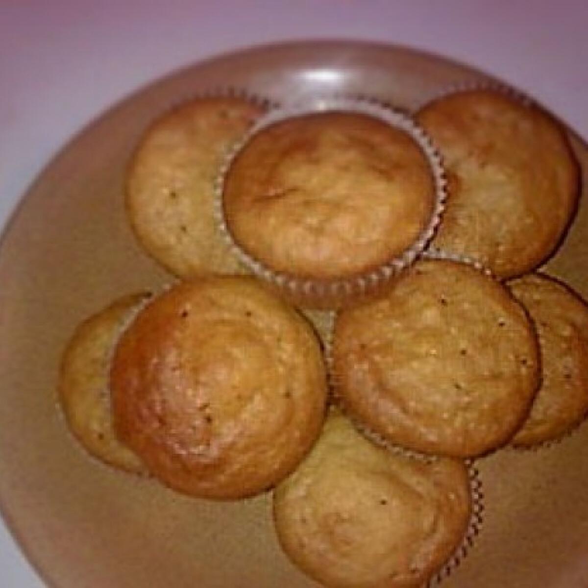 Ezen a képen: Almás muffin egyszerűen