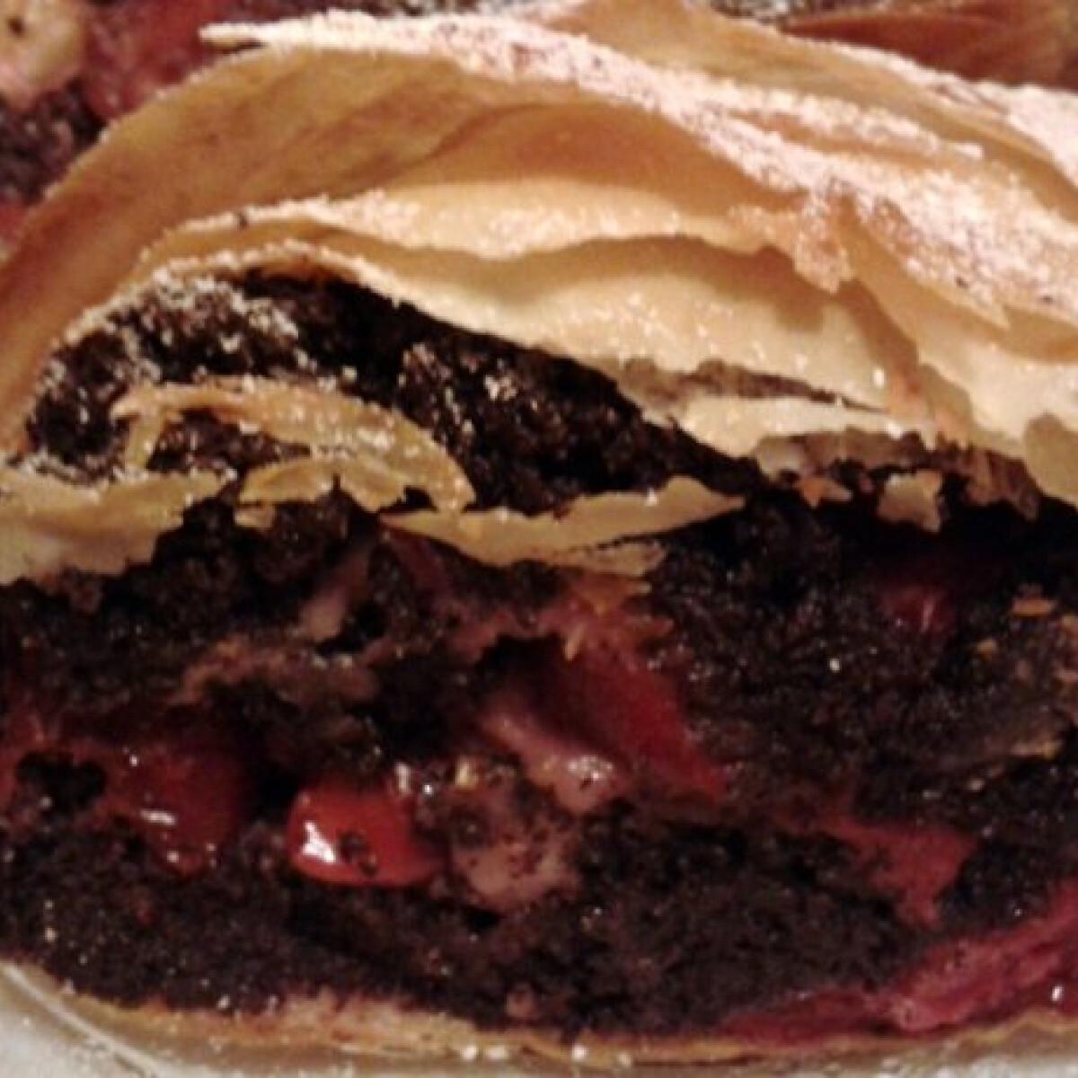 Ezen a képen: Mákos-meggyes rétes Gonoszka konyhájából