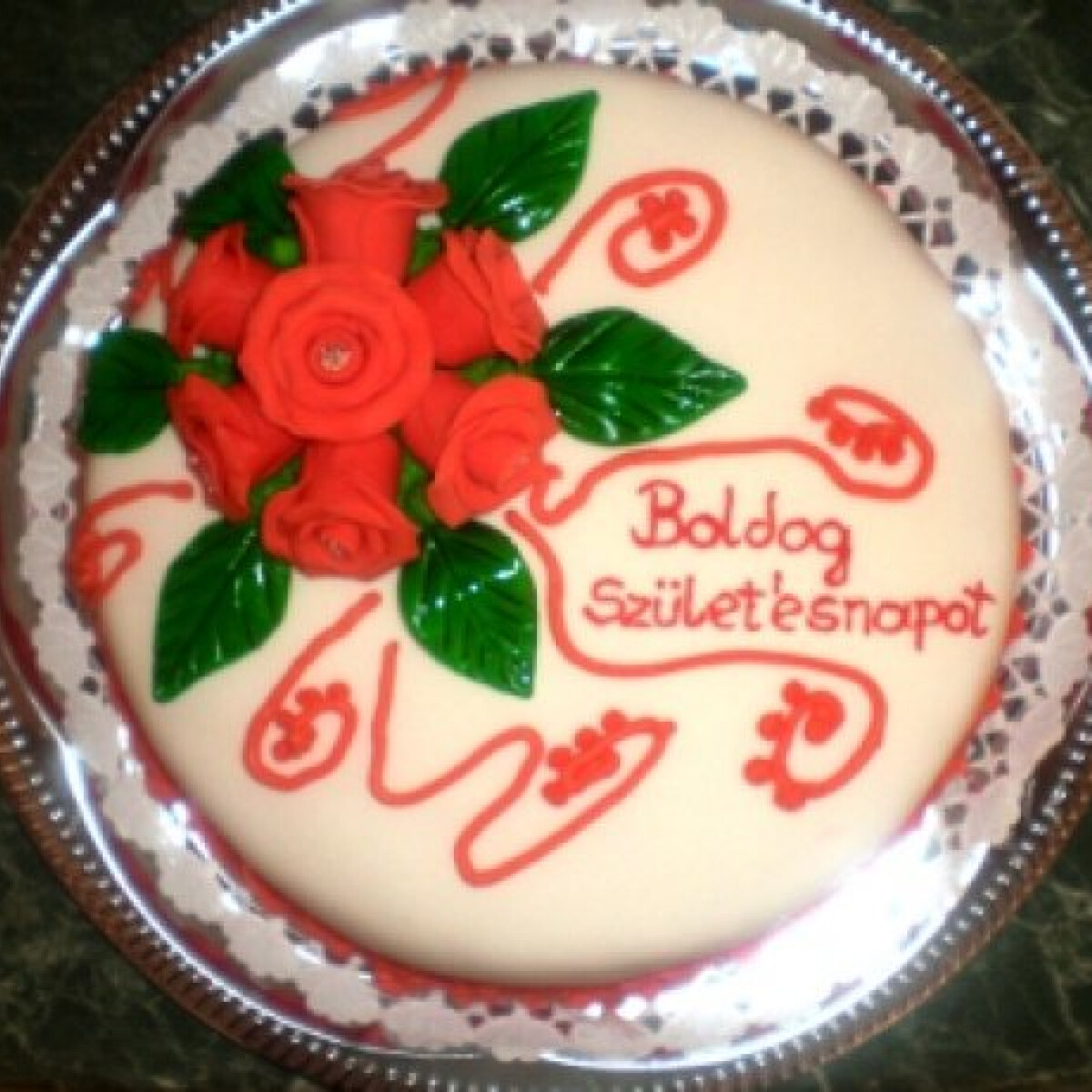Ezen a képen: Szülinapi feketeerdő-torta
