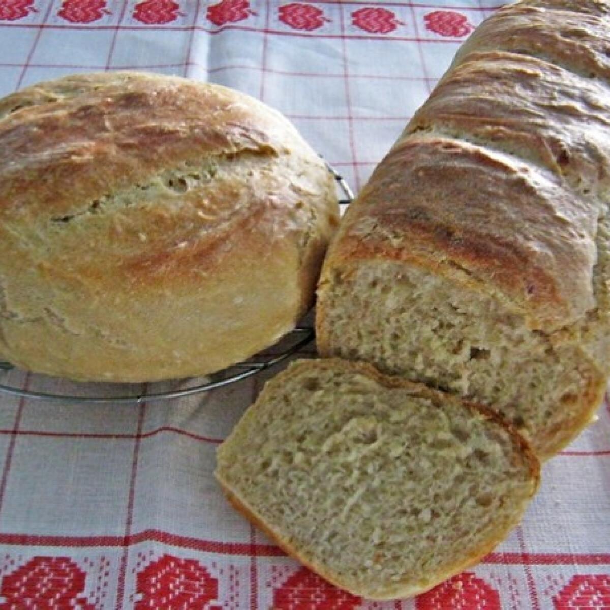 Ezen a képen: Burgonyás kenyér ahogy Iluska készíti