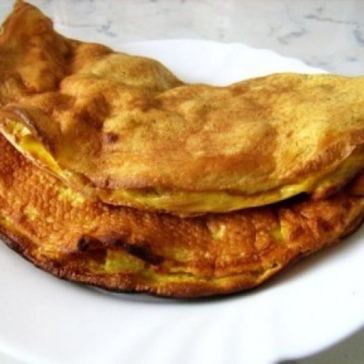 Ezen a képen: Töltött almás omlett