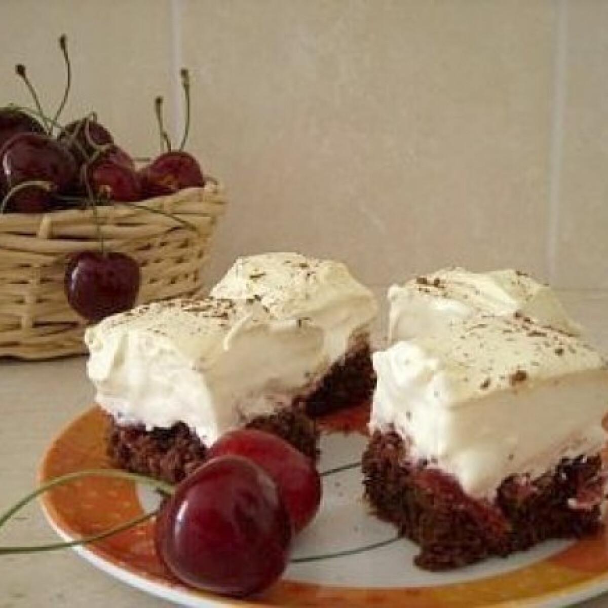 Habos cseresznyés süti