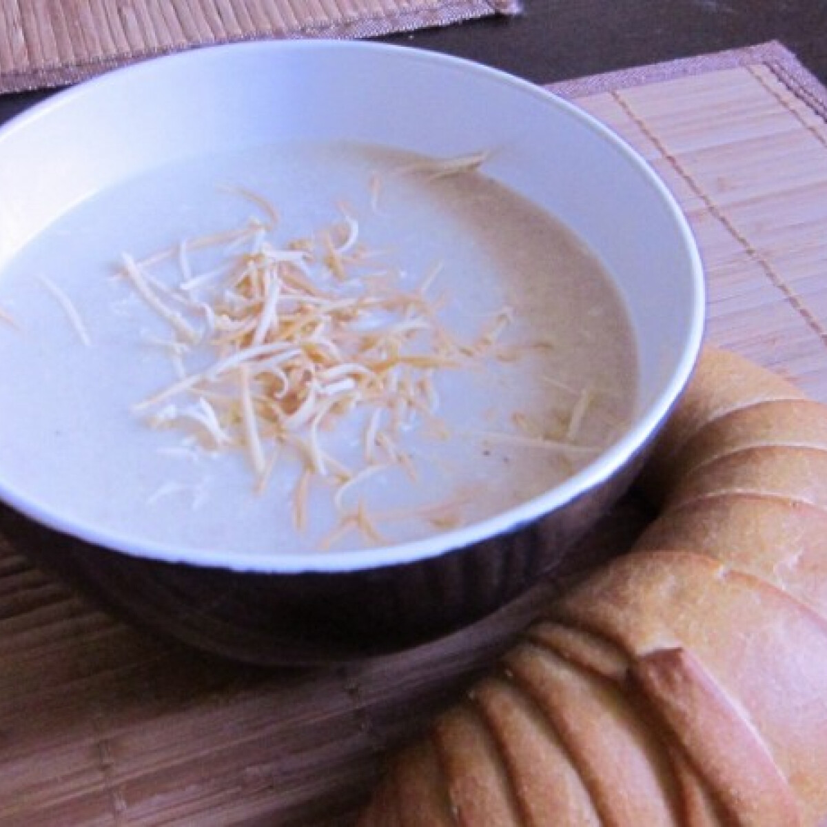 Ezen a képen: Francia hagymaleves Capucine konyhájából