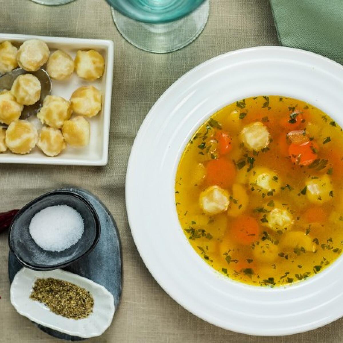Ezen a képen: Vegán levesbetét