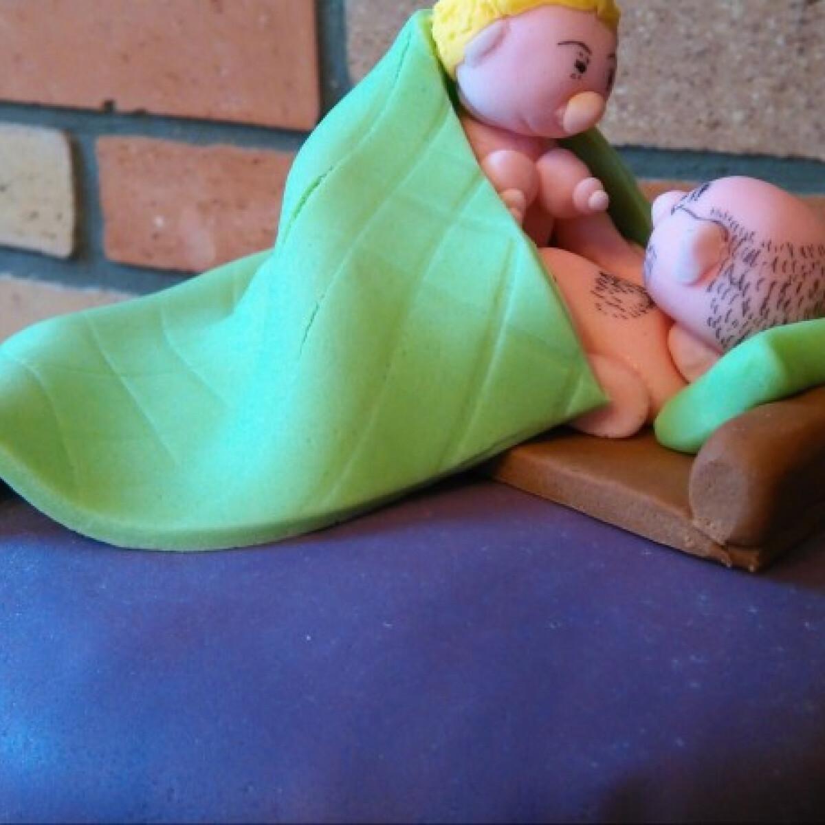 Ezen a képen: Csokis-meggyes szerelemtorta