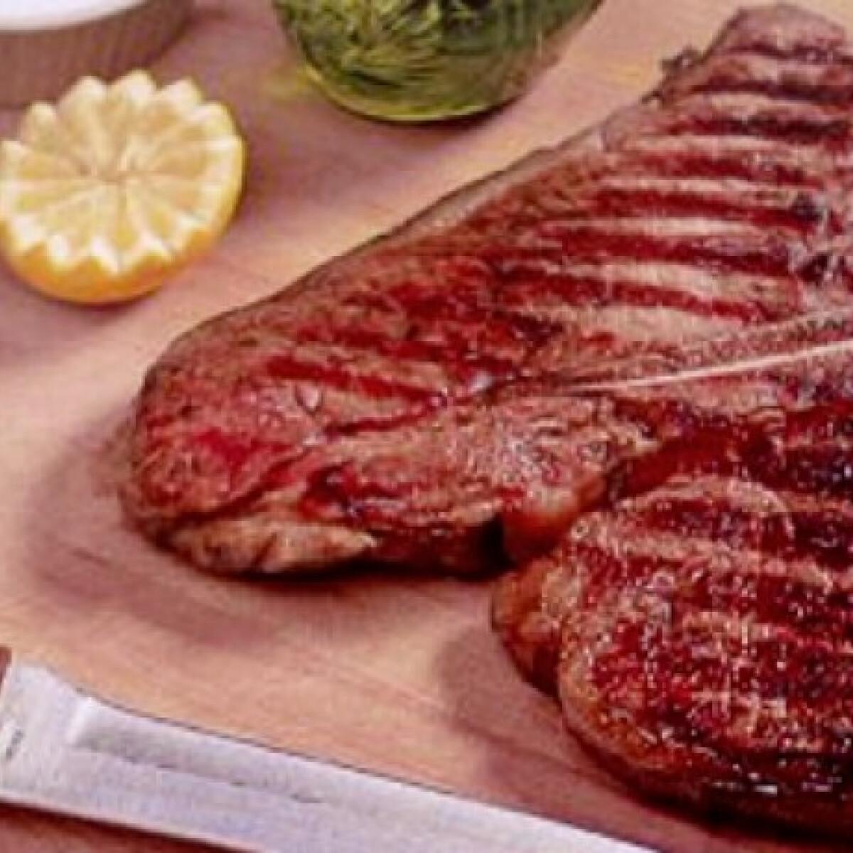 Ezen a képen: Firenzei steak