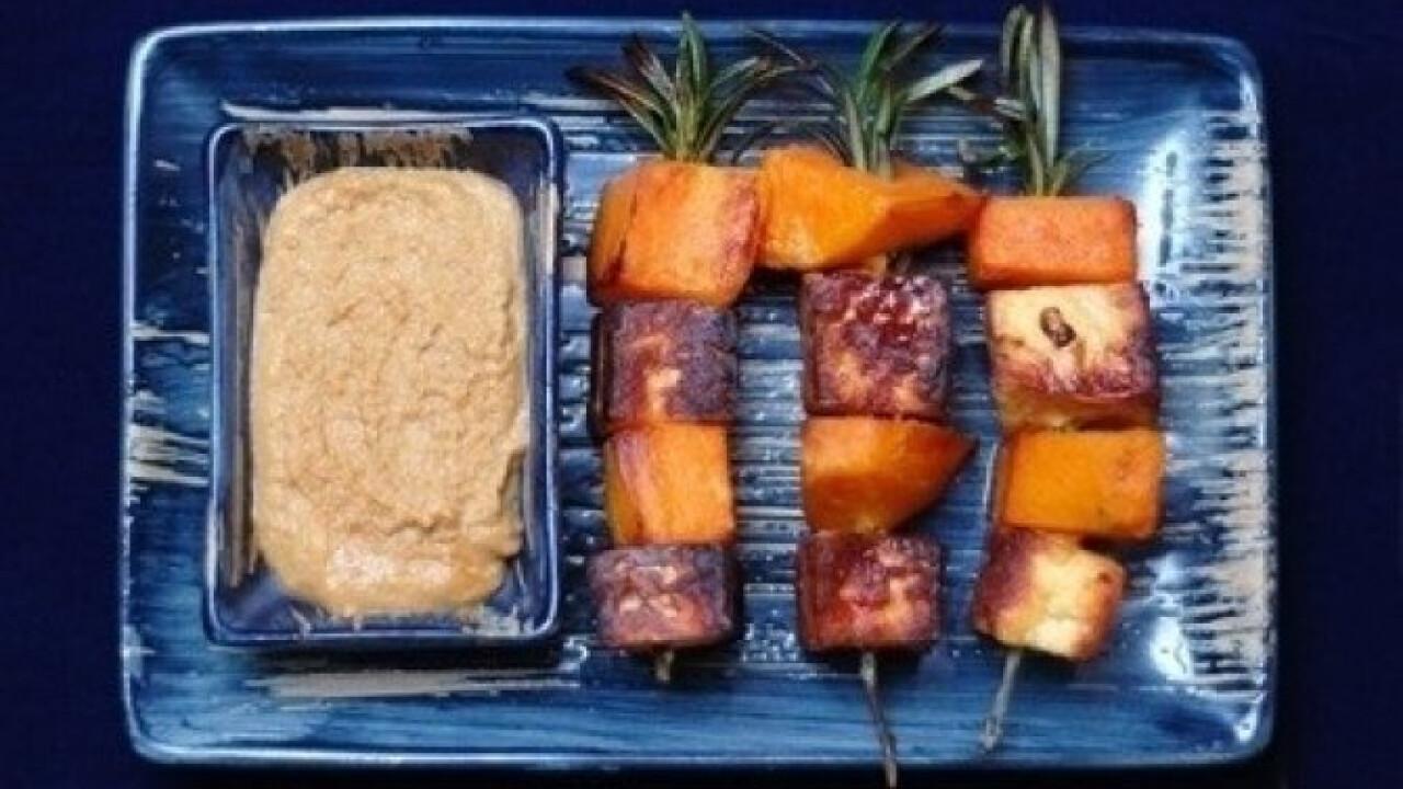Tofu és édesburgonya rozmaringnyárson