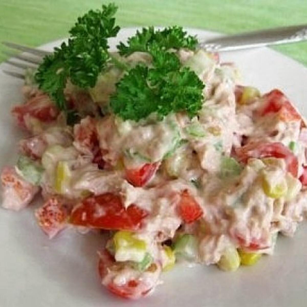 Ezen a képen: Tonhalsaláta 7. - majonézes