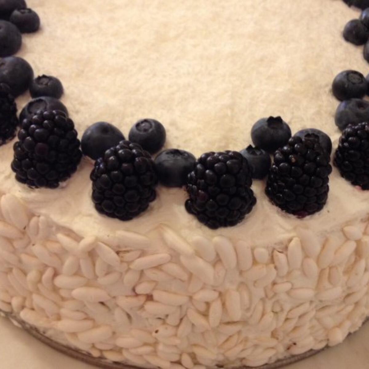 Gluténmentes szedres-málnás torta