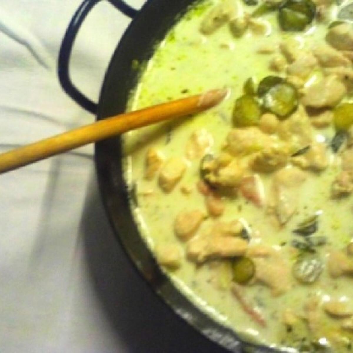 Tejszínes-uborkás csirkemell