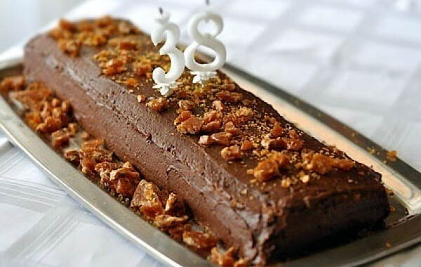 Grillázsos mogyorótorta csokikrémmel