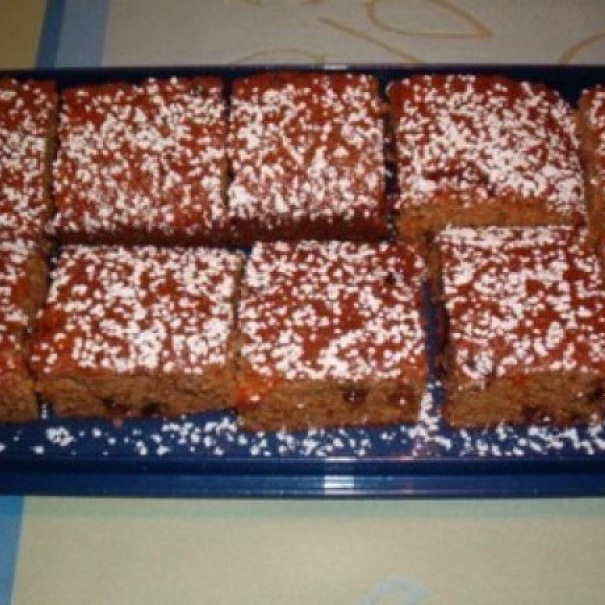 Ezen a képen: Barna sütemény