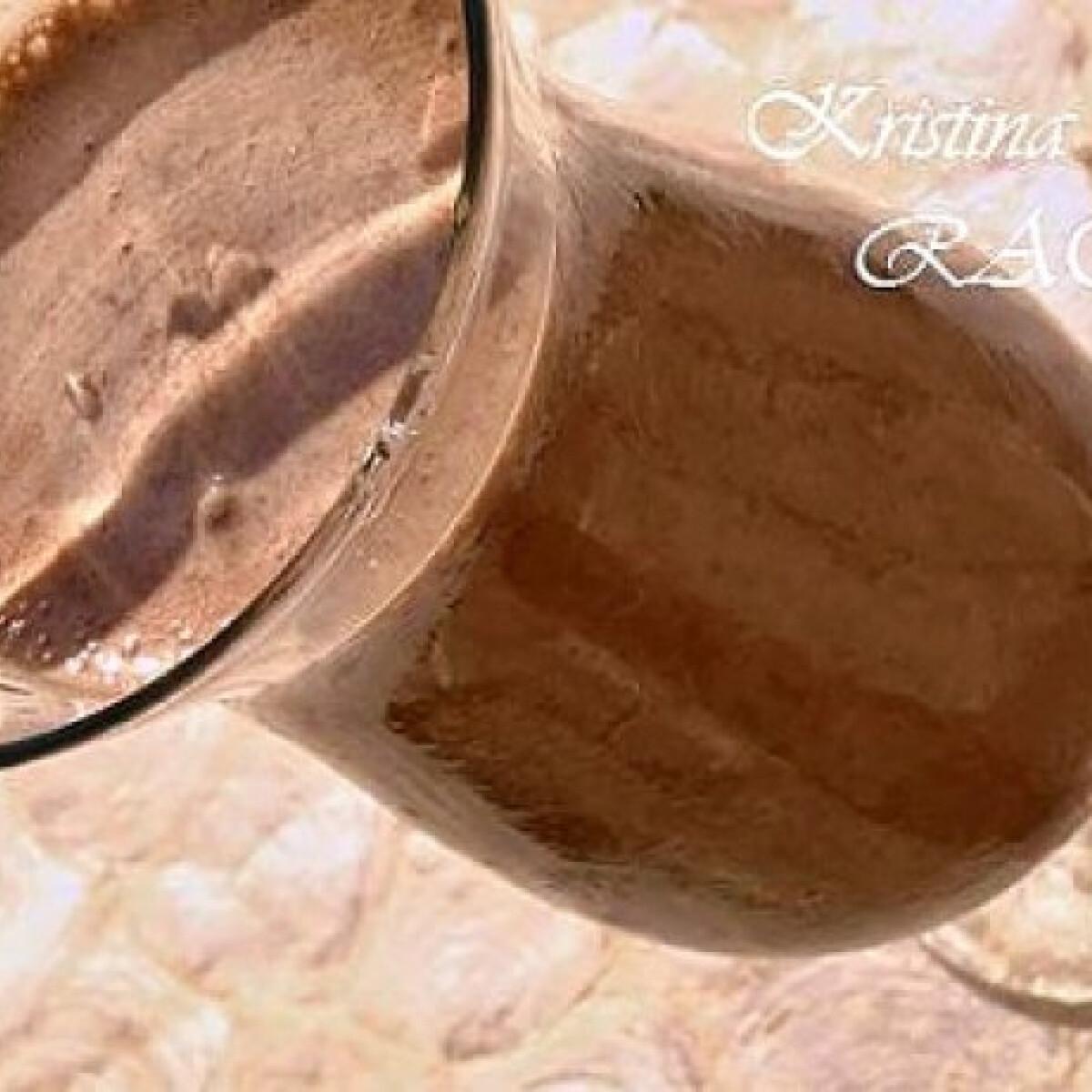 Mandulatejes-csokis shake banánnal