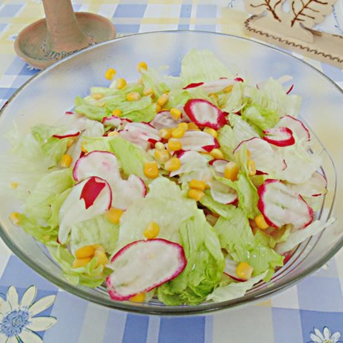 Ezen a képen: Tavaszi vitaminsaláta Lizinka konyhájából