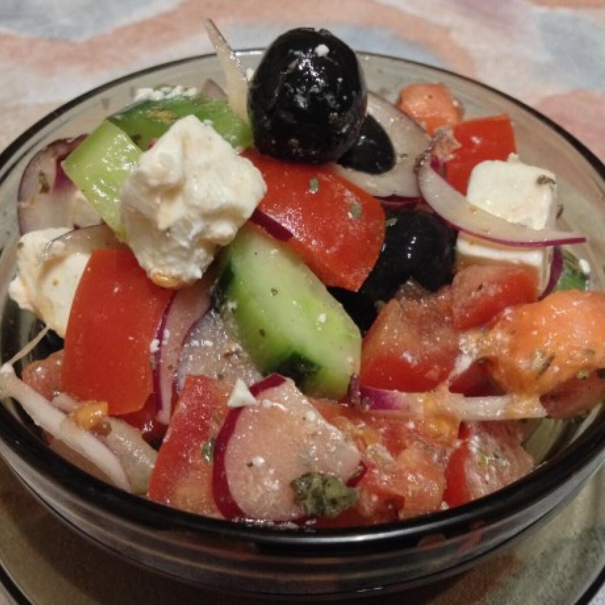 Ezen a képen: Pikáns Görög saláta - Görög Saláta 3. - csípős paprikával