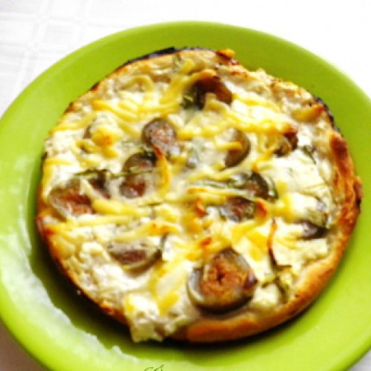 Fügés-bacon-ös-sajtos pizza