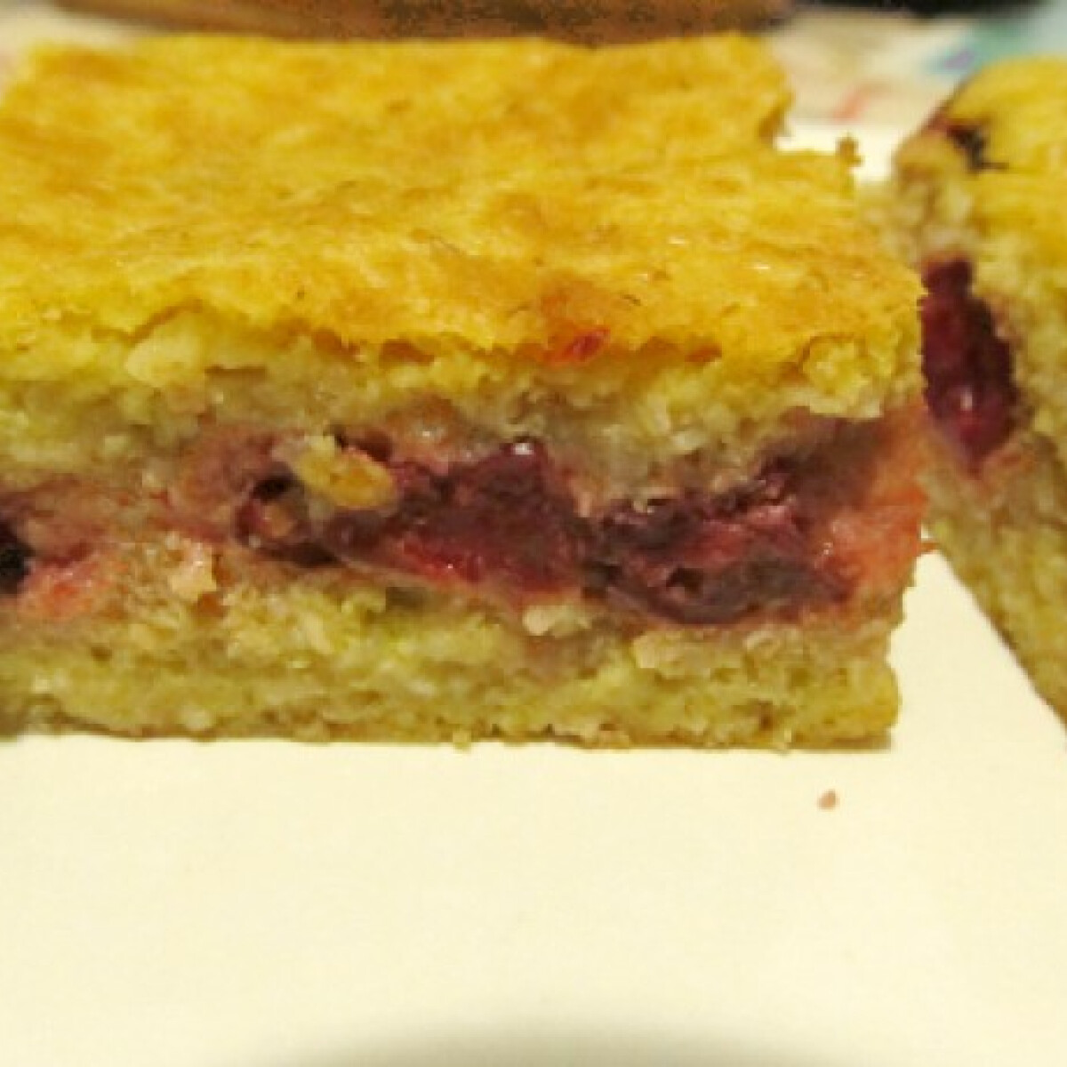 Ezen a képen: Meggyes süti - liszt és cukor nélkül