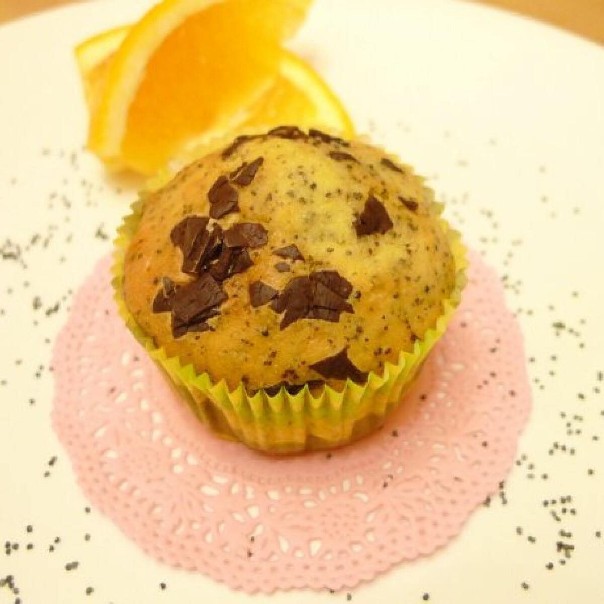 Ezen a képen: Narancsos-mákos muffin