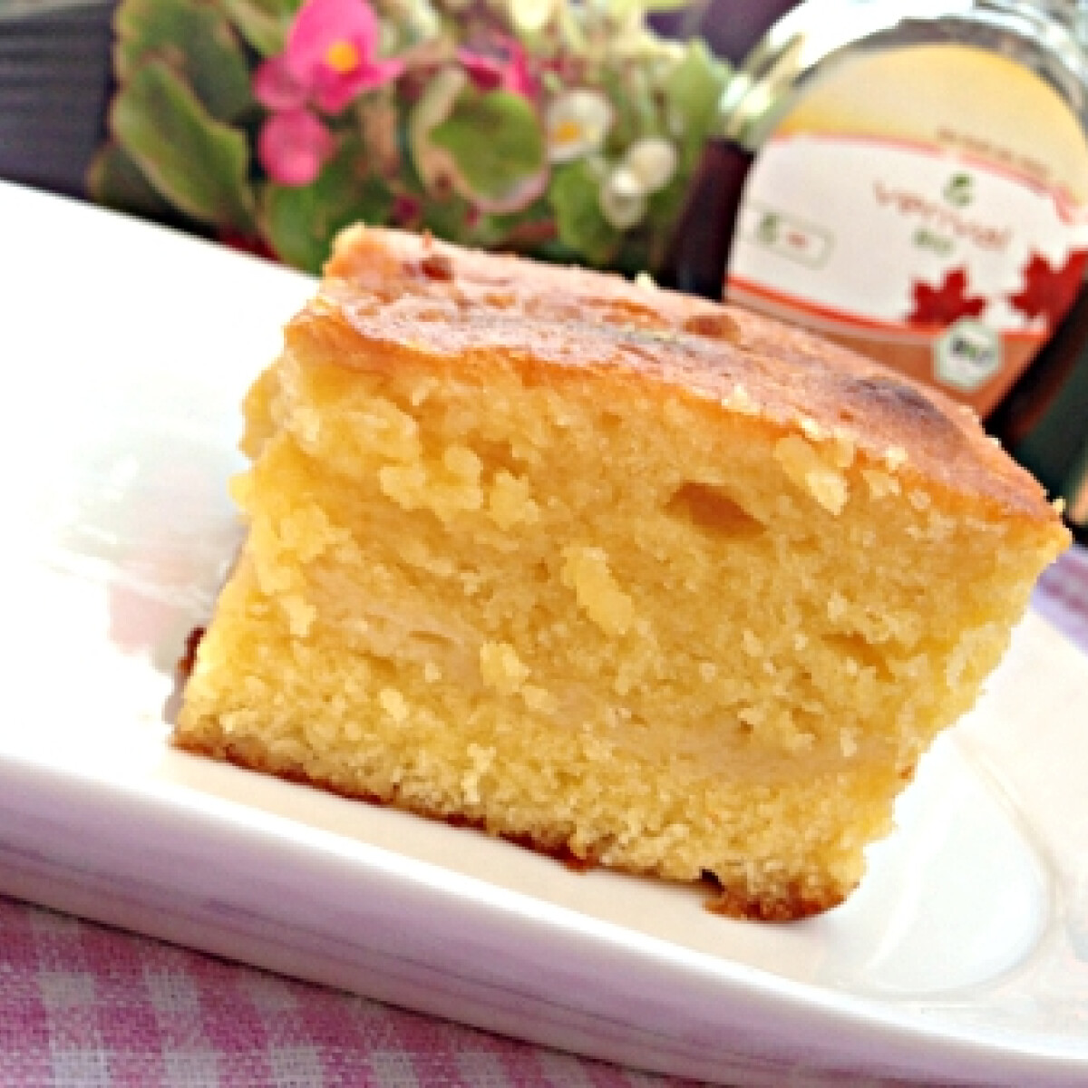 Ezen a képen: Mascarponés-fehér csokoládés süti