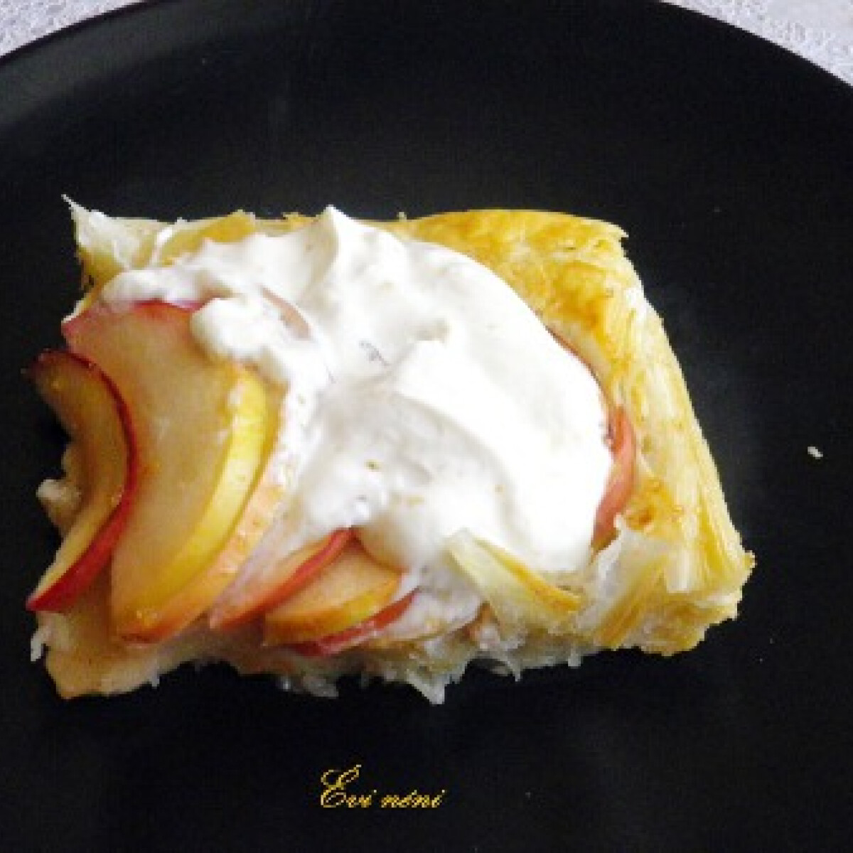 Nigella gyors almás lepénye