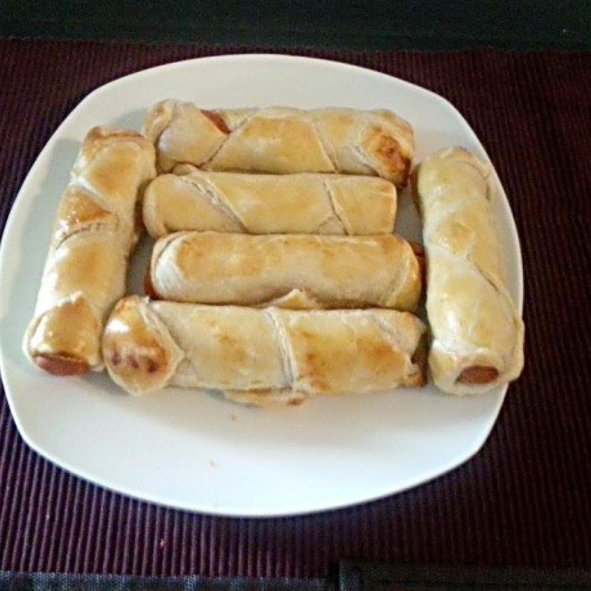 Hot-dog leveles tésztából