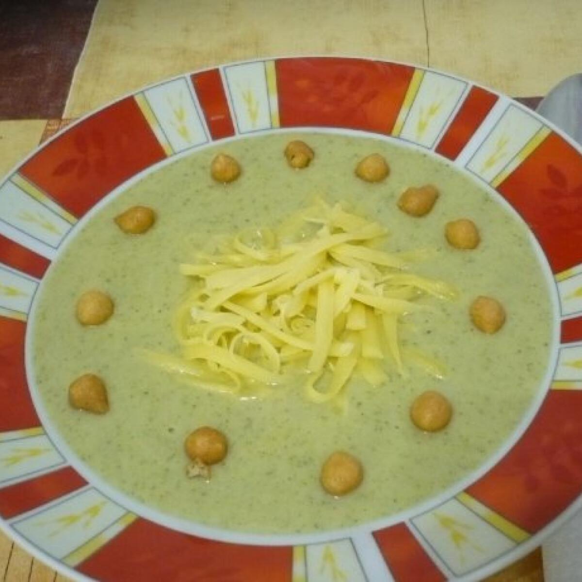 Gyors sajtos brokkolikrémleves