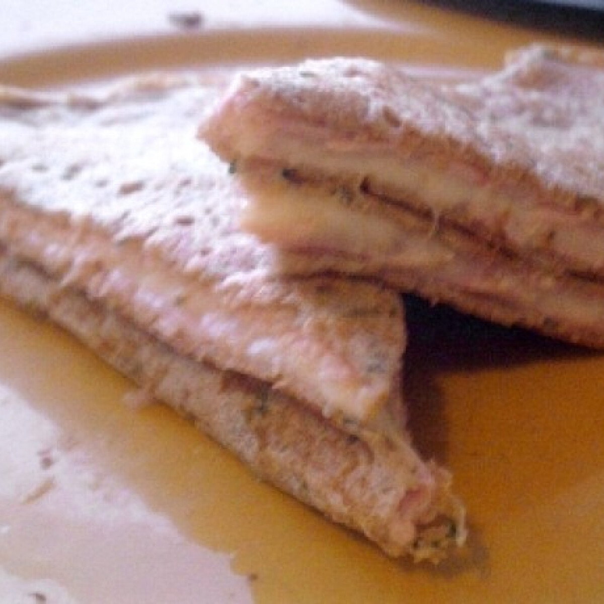 Ezen a képen: Sonkás-sajtos-petrezselymes palacsinta