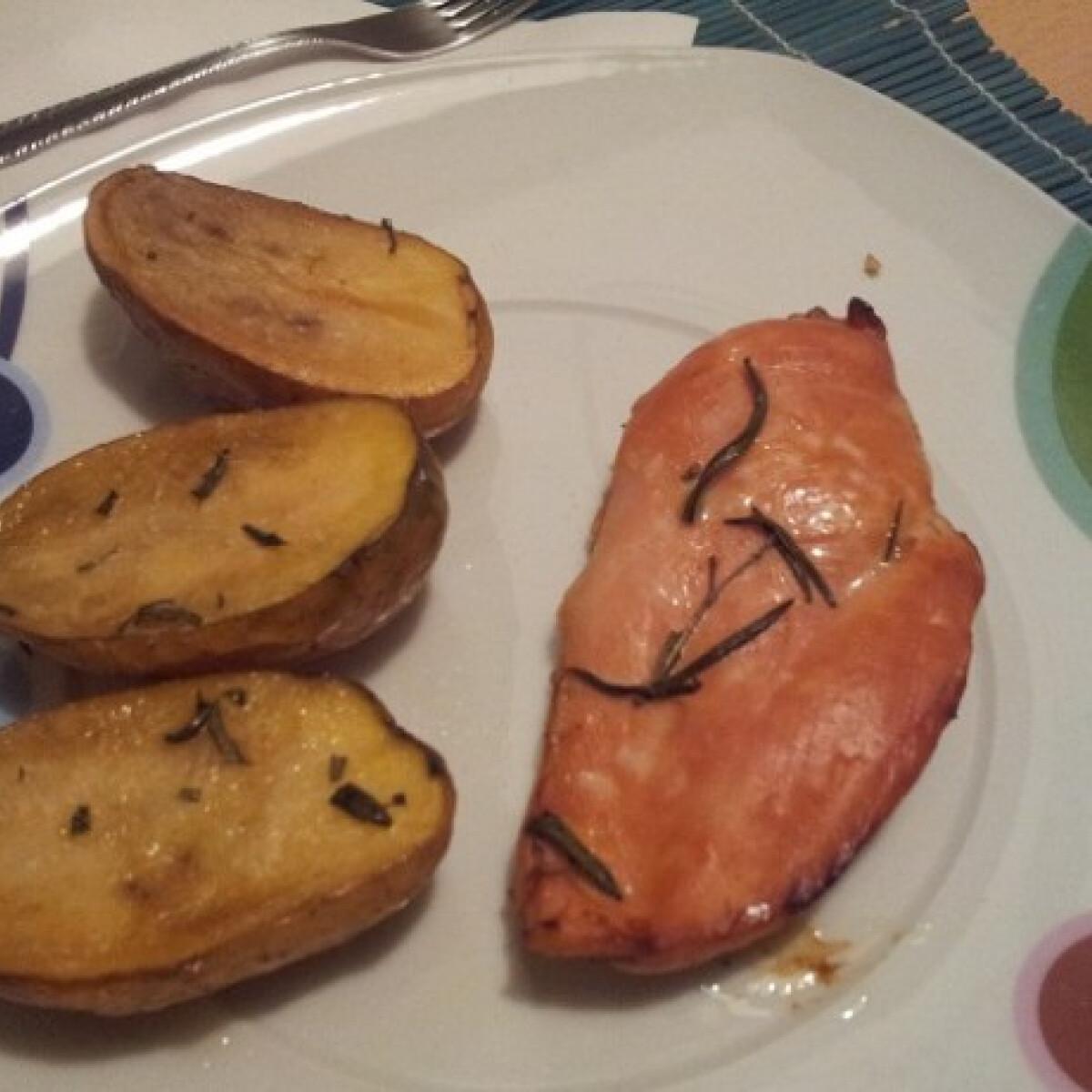 Ezen a képen: Citromos-rozmaringos csirke krumplival