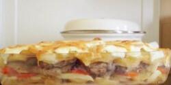 Tejfölös-túrós rakottas hús szalonnával