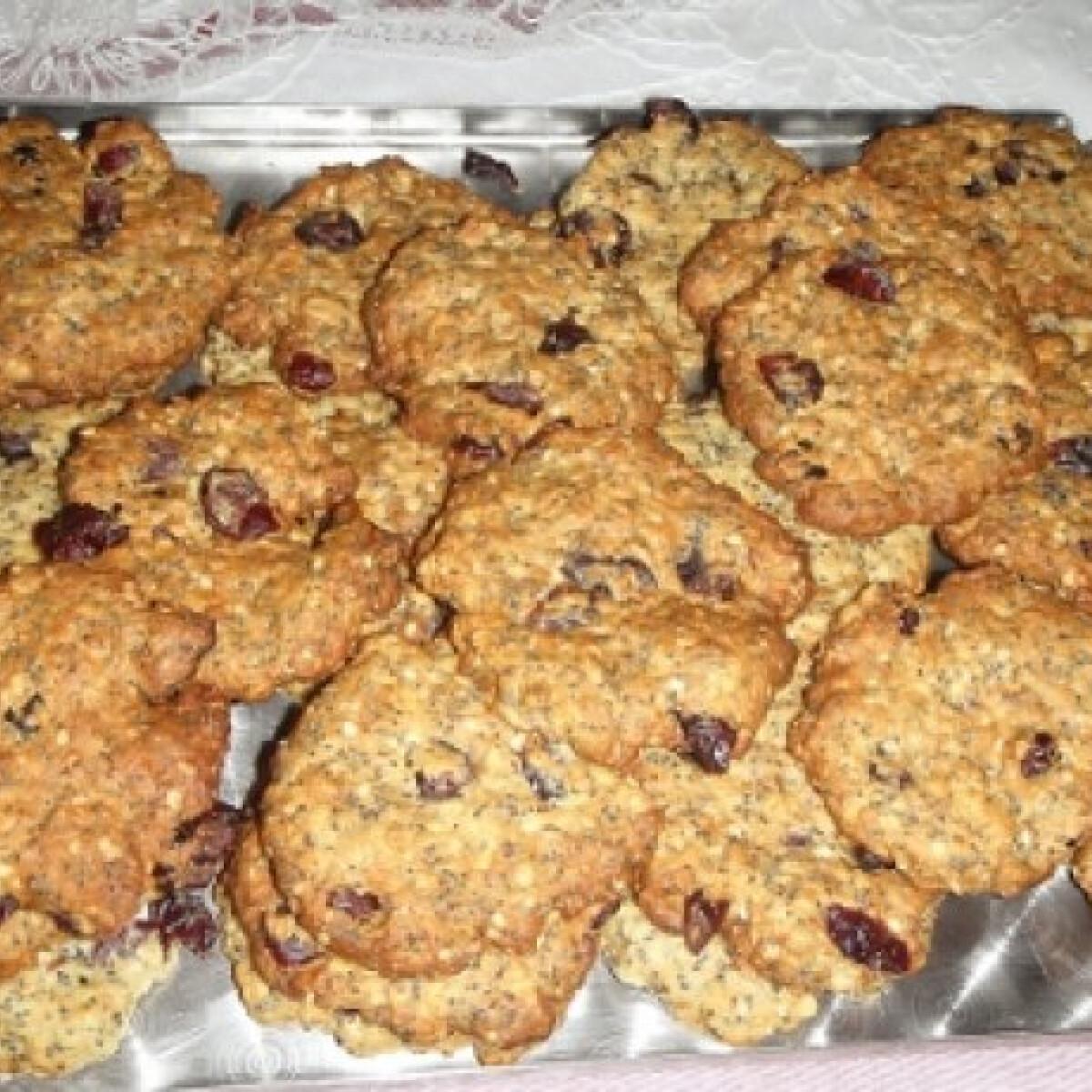 Ezen a képen: Zabpelyhes-mákos keksz