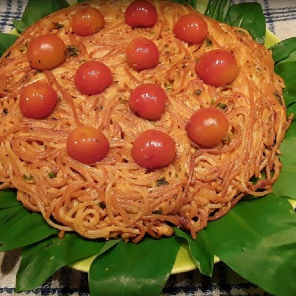 Ezen a képen: Spaghetti frittata a'la janettaylor