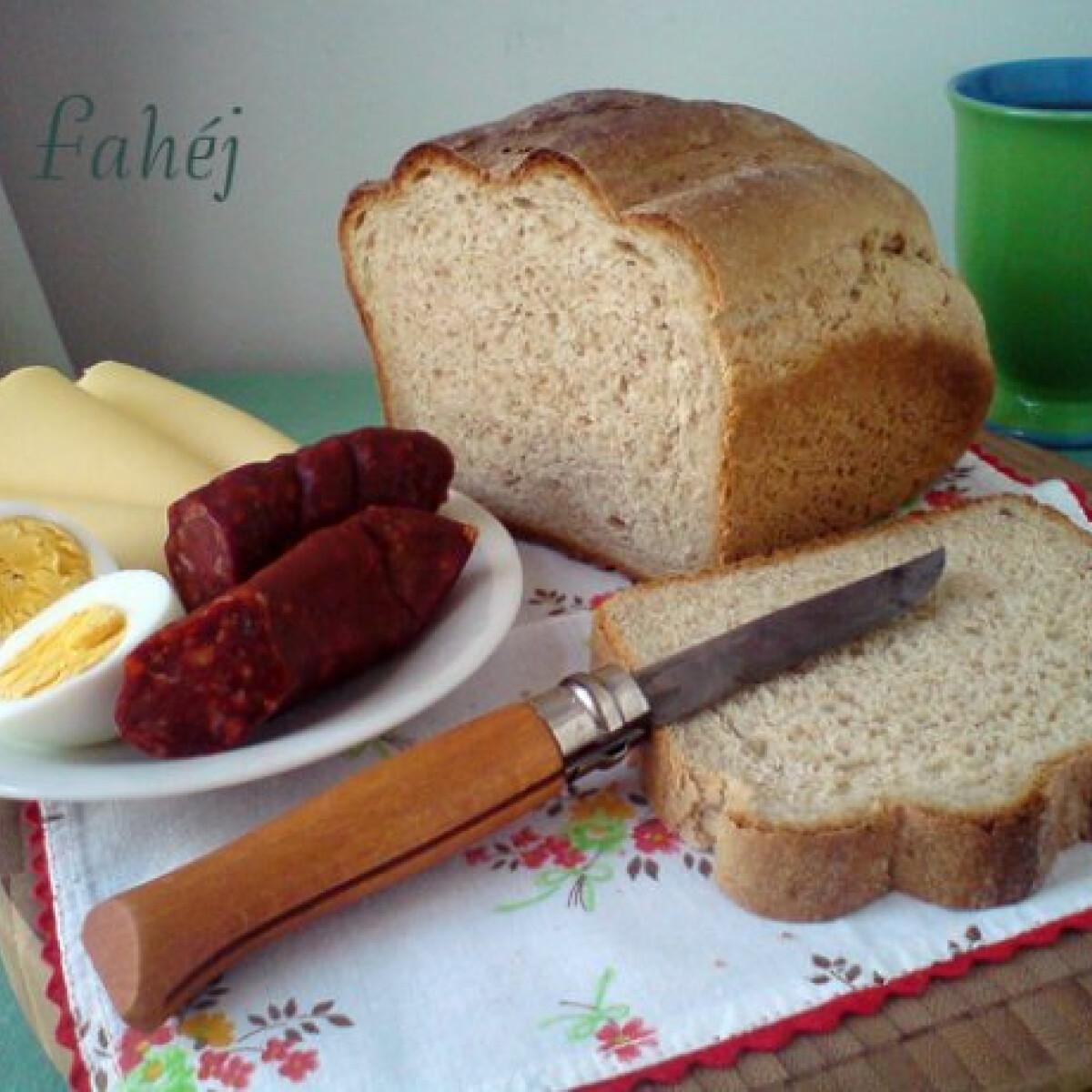 Ezen a képen: Joghurtos Graham-kenyér