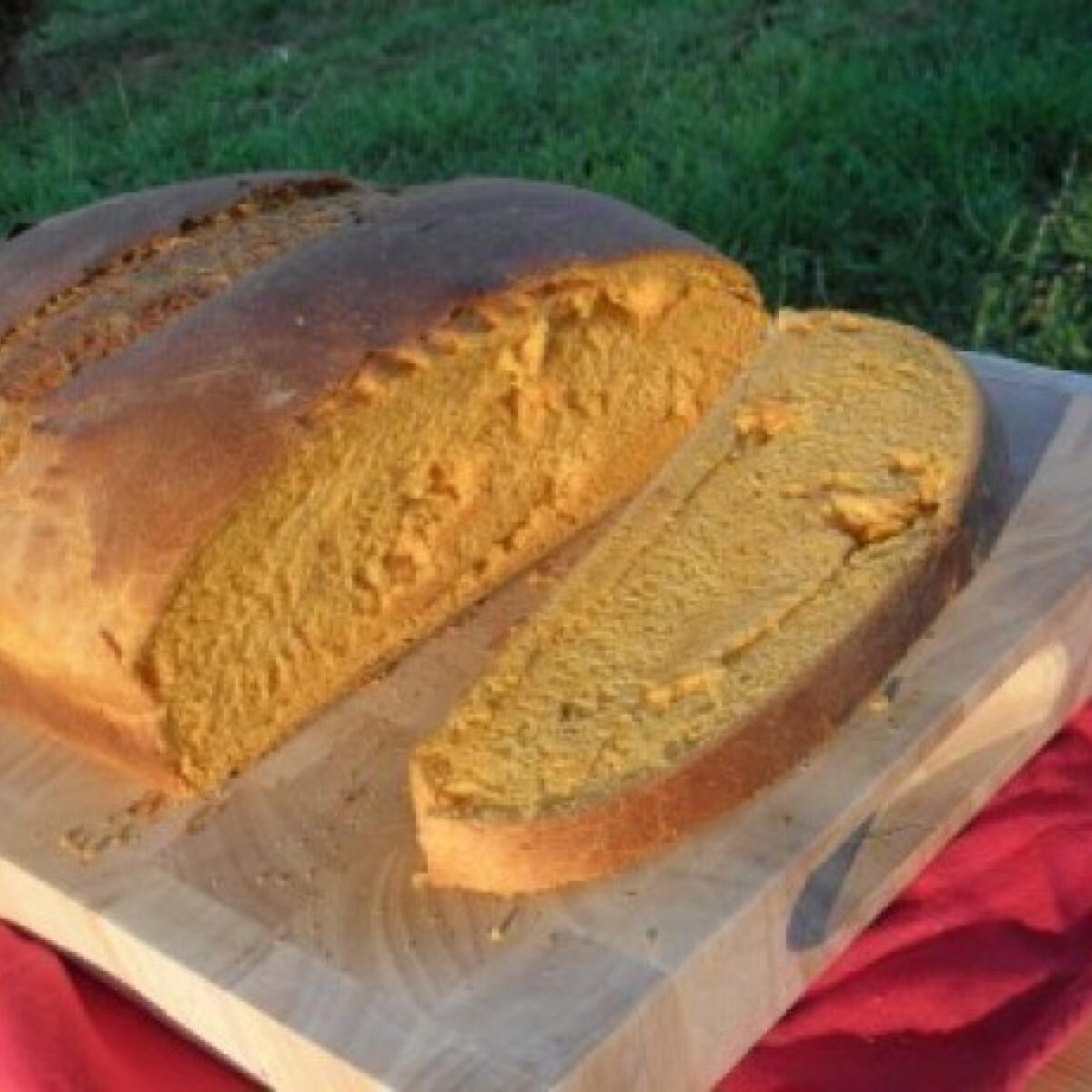 Ezen a képen: Házi fehér kenyér 12. - paprikás