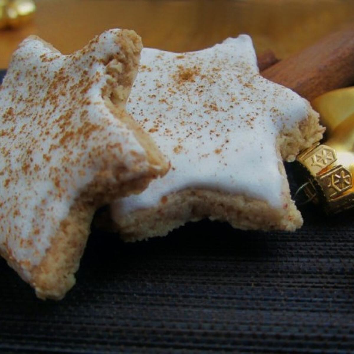 Ezen a képen: Karácsonyi fahéjas csillagok
