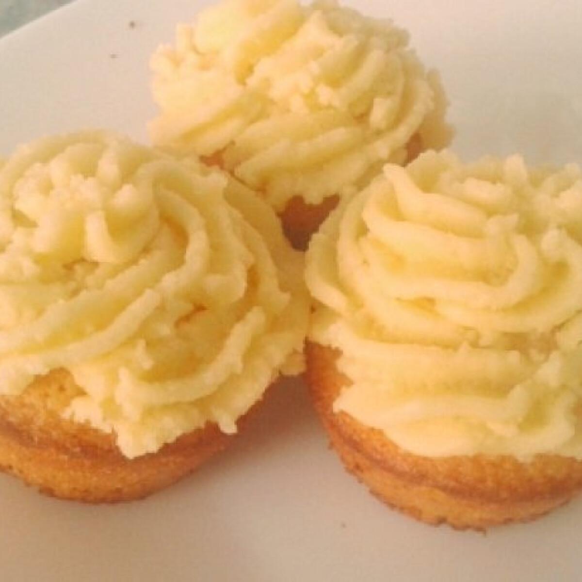 Ezen a képen: Alap cupcake Anuellától