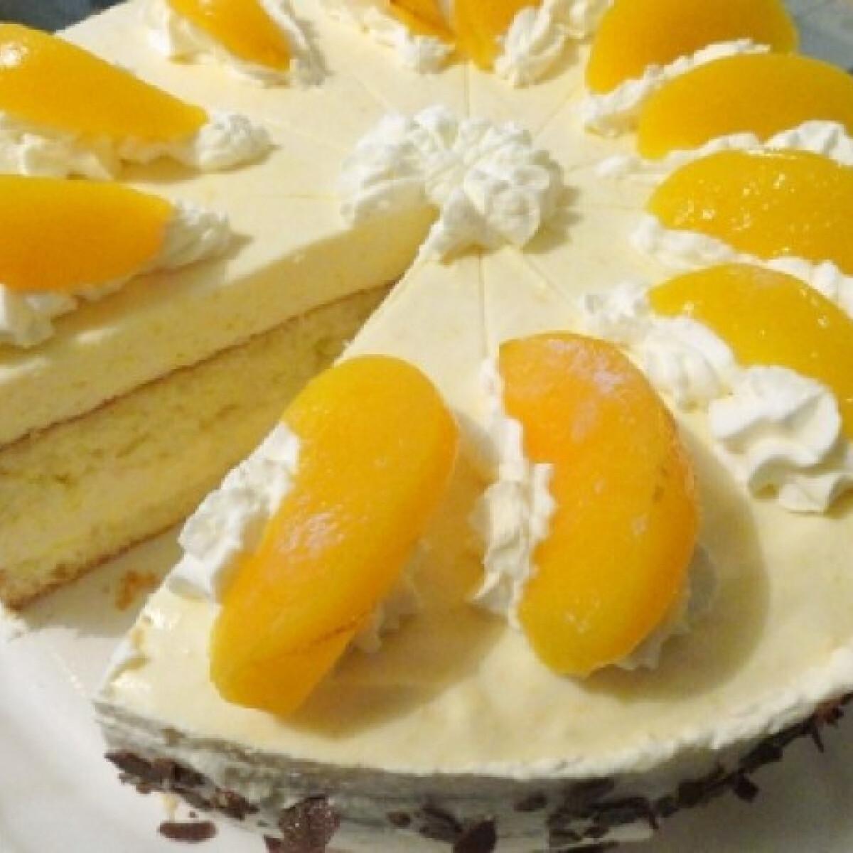 Ezen a képen: Barackos-túrós torta Glasertől