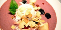 Bogyós gyümölcsleves vilmoskörtével