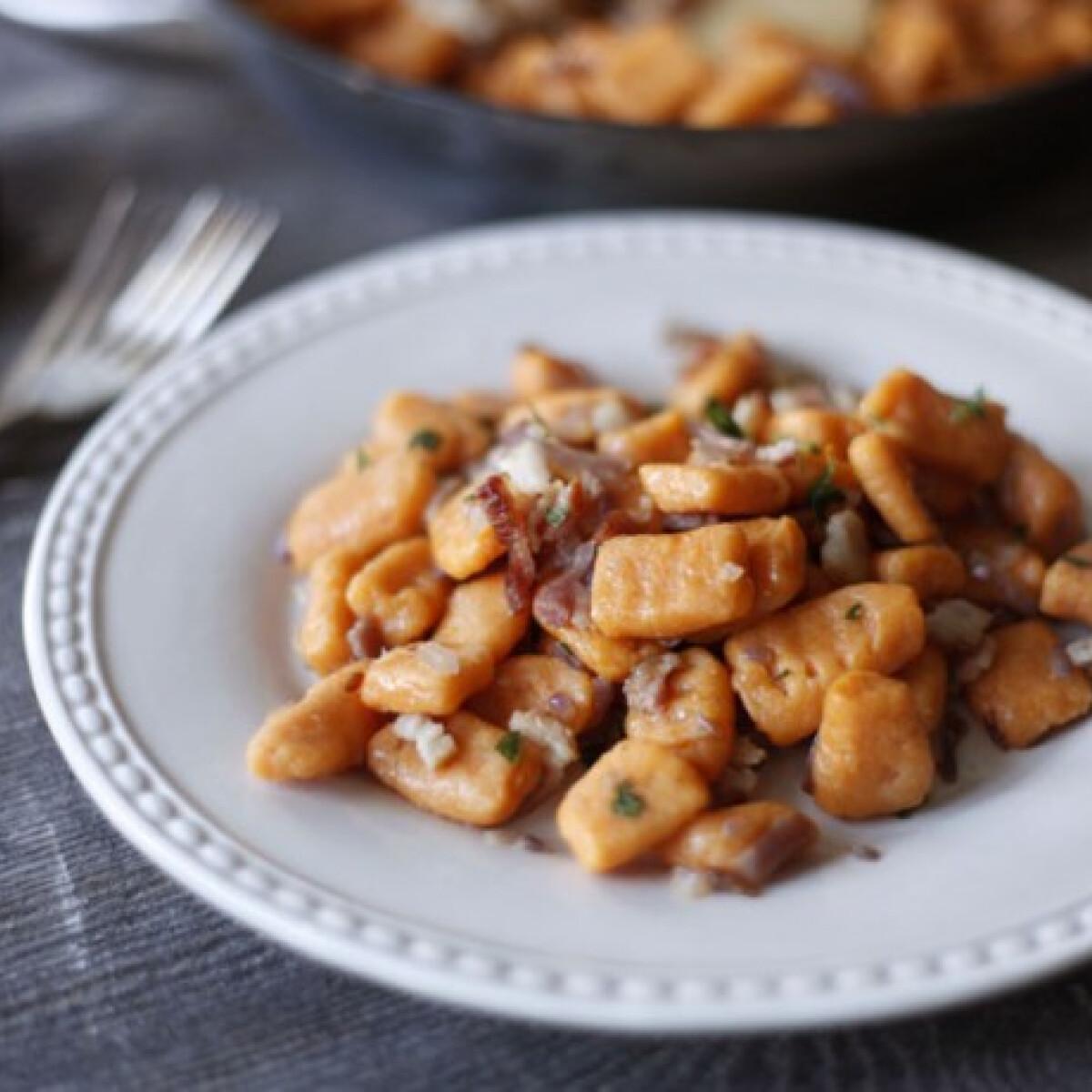 Ezen a képen: Gluténmentes édesburgonya gnocchi