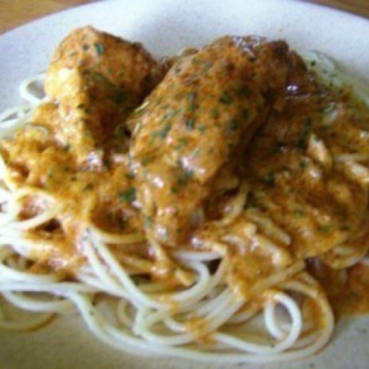 Ezen a képen: Mediterrán szószos csirke