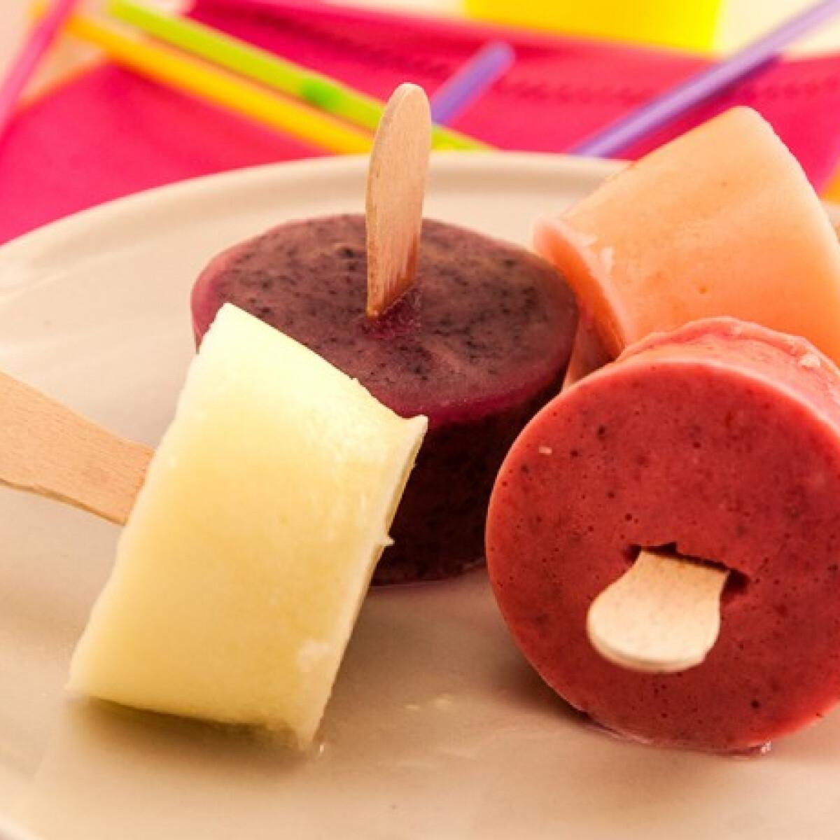 Ezen a képen: Gyümölcsös joghurt jégkrém