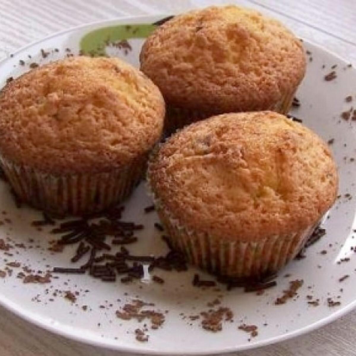 Ezen a képen: Vaníliás muffin csokidarabokkal