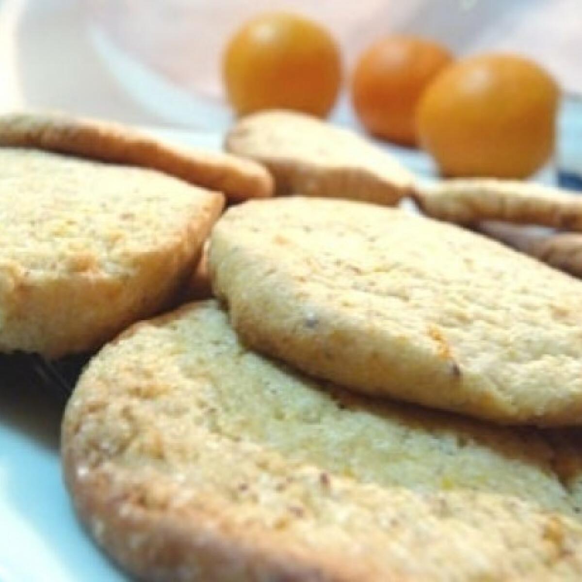 Ezen a képen: Narancsos- mogyorós keksz