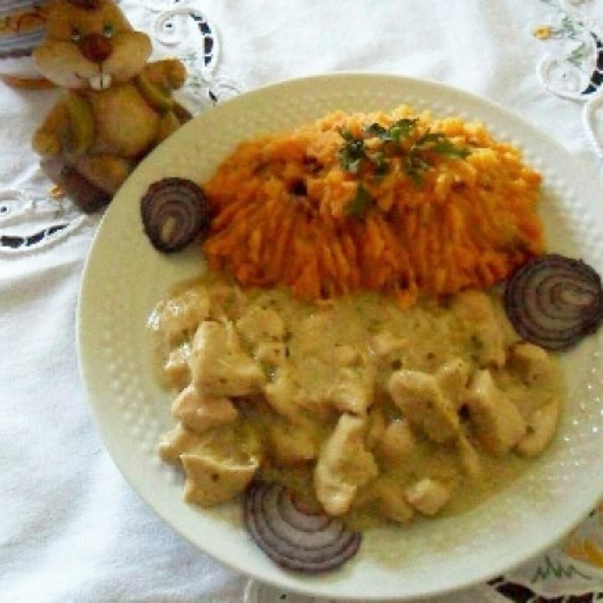 Ezen a képen: Mustáros hentestokány hagymás burgonyával