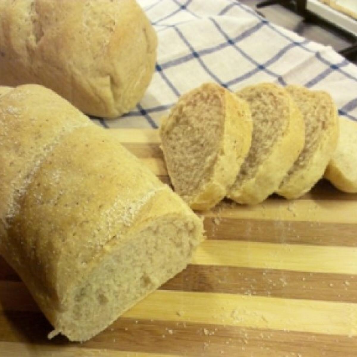 Ezen a képen: Kovászos kevert kenyér