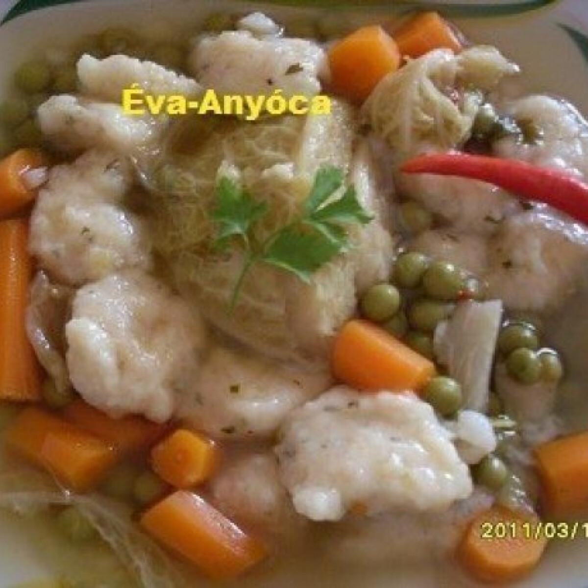 Ezen a képen: Zöldborsós zöldségleves burgonyagombóccal