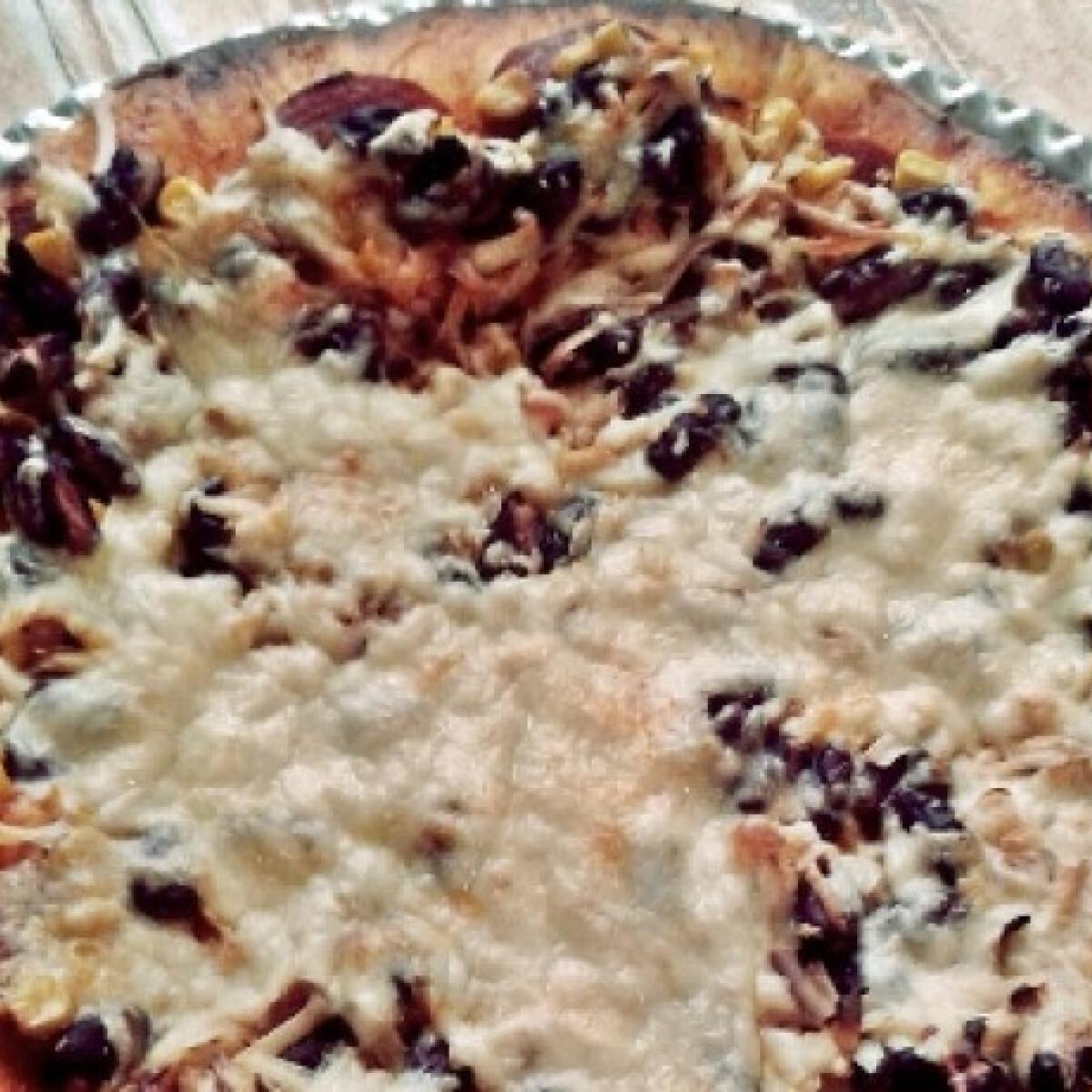 Ezen a képen: Pizza Dorcy konyhájából